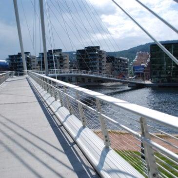 Ypsilon bru, Drammen, sett mot Union brygge Foto: Helge Høifødt